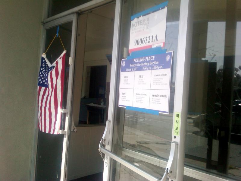 Election Polling Place in Highland Park(Susan Shimotsu/Neon Tommy)