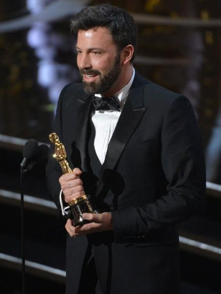 Ben Affleck receiving the Oscar for Best Picture (TwitPic)