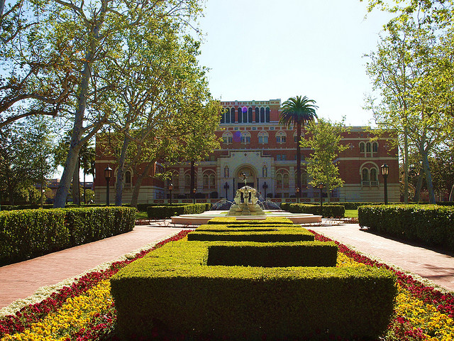 USC's campus and the neighborhood surrounding it seem to be two separate worlds. (Richard Ha, Creative Commons)