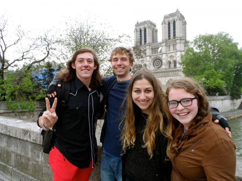 Students embrace poety on Cecilia Woloch's Parisian Maymester program, (Cecilia Woloch)