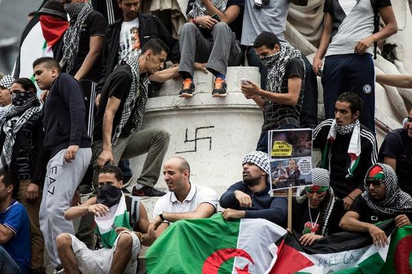 This French anti-Semitic gathering is becoming increasingly normalized throughout Europe (New York Times/Twitter)