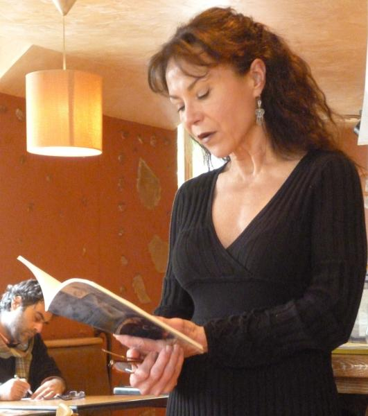 USC Professor Cecilia Woloch leads poetry reading during Poet in Paris Maymester program, (Cecilia Woloch)