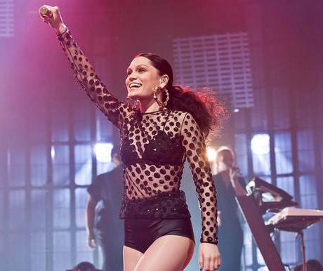 Jessie J on stage (Twitter/ @rossd060)