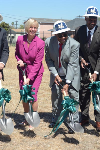 Congresswoman Janice Hahn, Rodney Shepard, and others break ground on Lanzit Industrial Park (Matthew Tinoco/Neon Tommy)