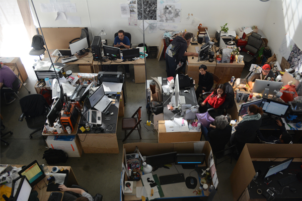 Seniors work on their thesis projects inside Sci-Arc's building. (Matthew Tinoco/Neon Tommy)