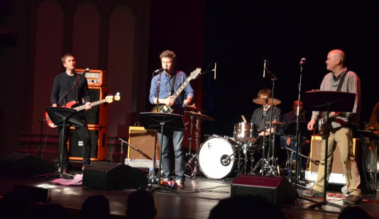 Superchunk rocks the Bovard stage (Heidi Carreon/Neon Tommy)
