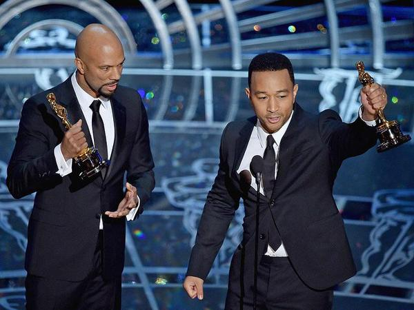 "John Legend and Common win for their song ""Glory"" (Twitter/@charles_brower)"
