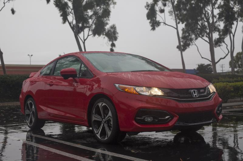 "The Honda Civic Si Coupe packs lots of bang for little buck (Amou ""Joe"" Seto/Neon Tommy)"