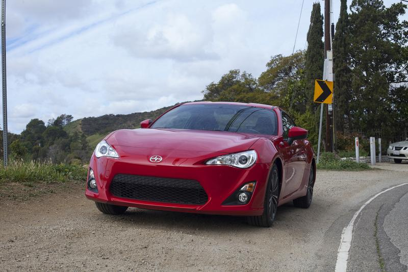 "Taking out the Scion FR-S on Mullholland Drive. (Amou ""Joe"" Seto/Neon Tommy)"