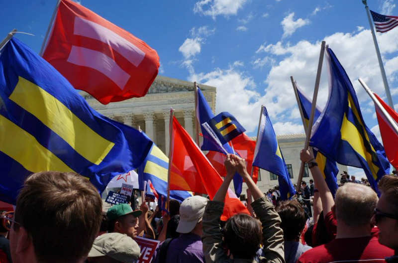 SCOTUS Marriage Equality Protests (@HRC / Twitter)