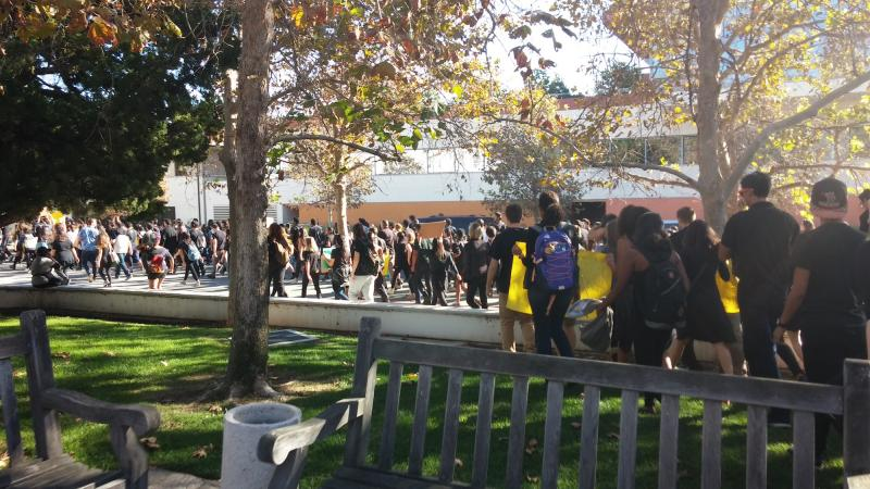 Claremont College students at the #MillionStudentMarch. (Marianna Heckendorn)
