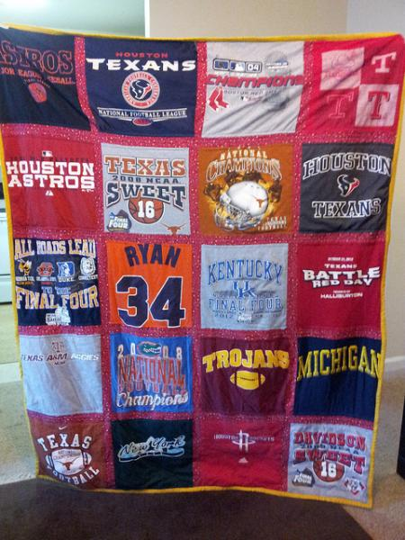 Make a blanket out of a heap of t-shirts! (Creative Commons/Flickr)