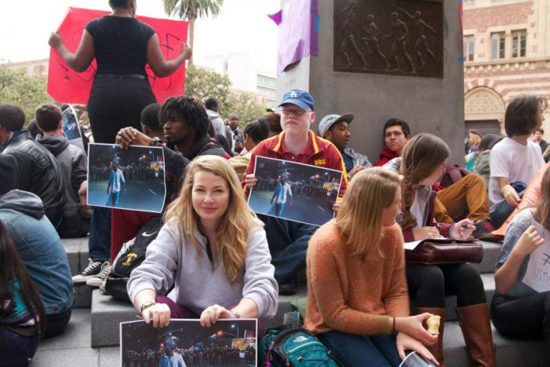 USC students spend their finals week participating in a sit-in. (Faith Jessie/ Neon Tommy)