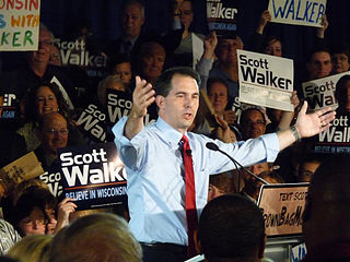Scott Walker addressing supporters (Wikimedia)
