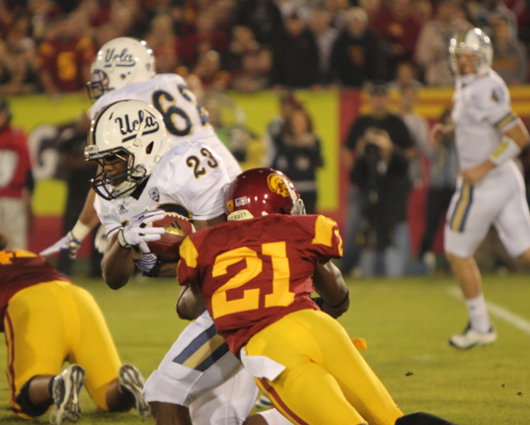 USC defense (Scott Enyeart/Neon Tommy)