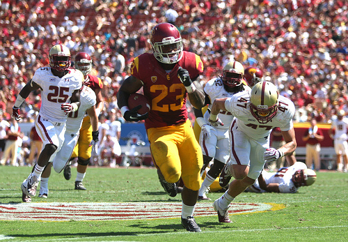Tre Madden ran for over 100 yards for the third straight week, the first USC back to open the season on such a run since Marcus Allen in 1981. (Kevin Tsukii/Neon Tommy)