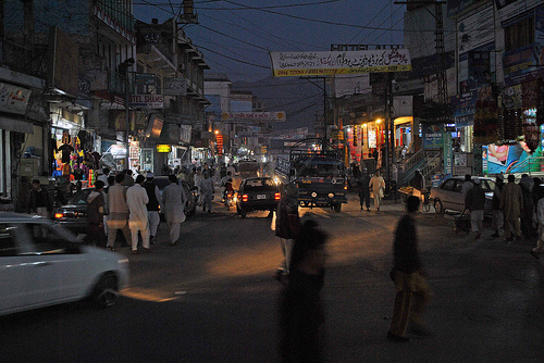 Mingora street bazaar (Creative Commons).