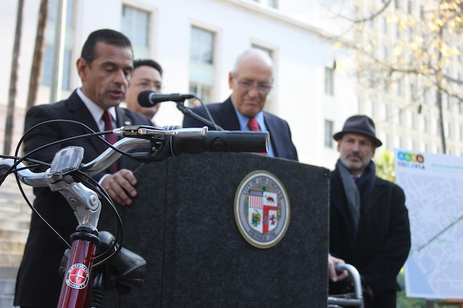 Mayor Villaraigosa praised the city's bike culture expansion over the last two years. (Catherine Green/Neon Tommy)