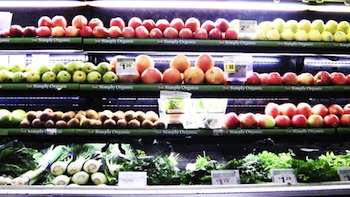 High quality produce available at Ralphs stores located in higher-income neighborhoods. (Meryl Hawk)