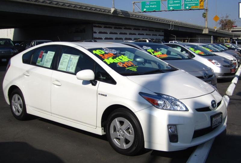 Hybrid vehicles have seen sharp sales increases as gas prices soar. (Danny Lee/Neon Tommy)