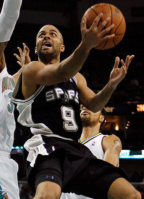 Can Spurs guard Tony Parker get into the paint against shot-blocking specialist Serge Ibaka? (interbasket/Creative Commons)