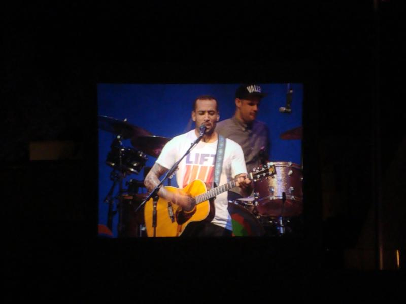 Ben Harper at the Hollywood Bowl. (via Rebecca Obadia)