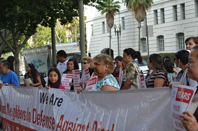 Locals protest against USC's redevelopment plans (Judy L. Wang)