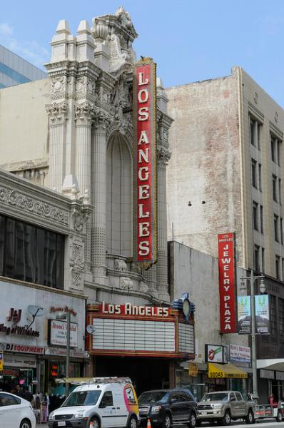 The Los Angeles Theater (Benjamin Dunn/Neon Tommy)