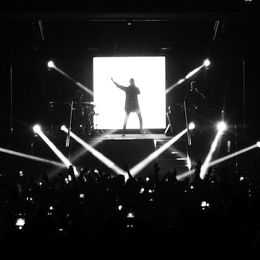 A small stage hindered G-Eazy's performance (Instagram/@Quinnsin422).