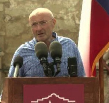 Phil Collins at a press conference (Twitter/@KPRCLocal2).