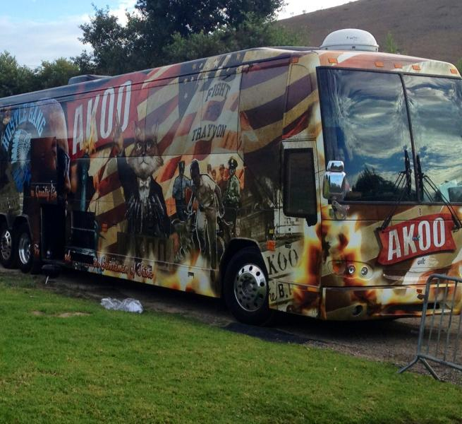 T.I.'s tour bus has an ode to Trayvon Martin painted on the side (Kathy Zerbib/Neon Tommy).