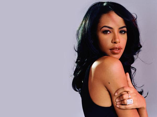 Aaliyah has been credited with redefining hip-hop and R&B music. (@bombblackgirlss / Twitter)