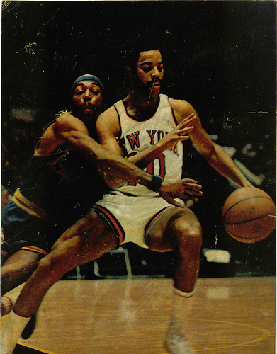 Hall-of-Fame point guard Walt Frazier (#10) was the first point guard to win a title while leading a team in scoring in 1973, but center Willis Reed won Finals MVP. (bballchico/Creative Commons)